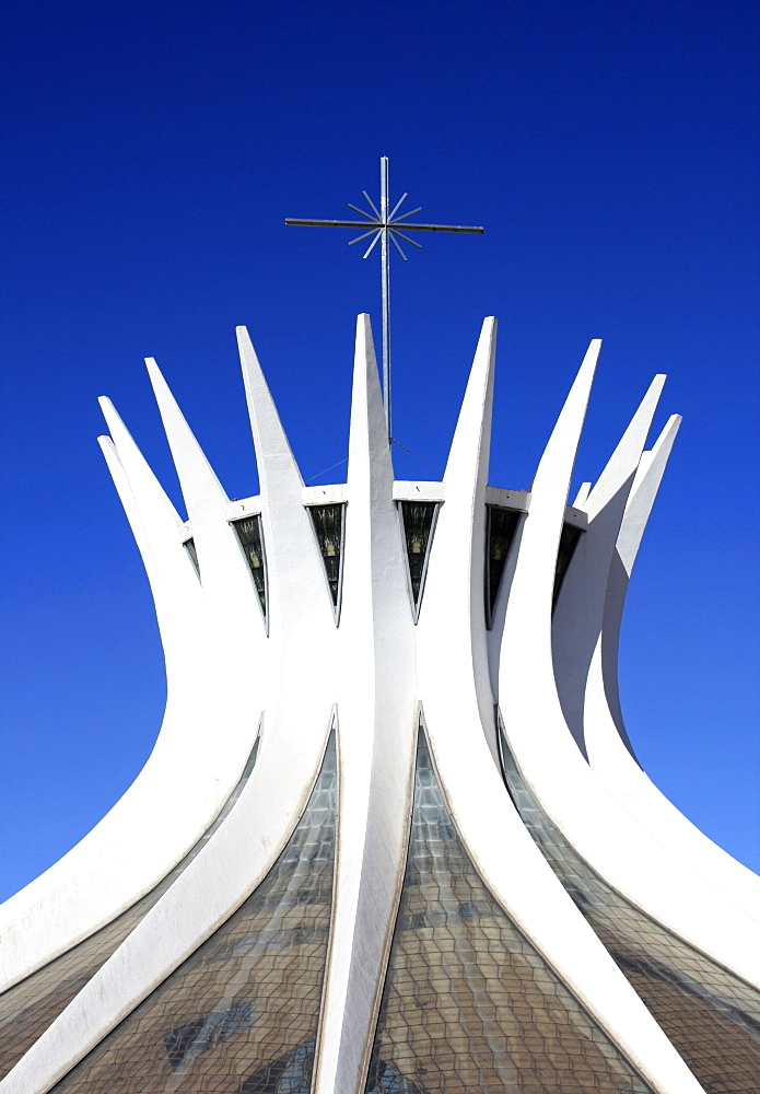 Brasilia Cathedral, architect Oscar Niemeyer, Brasilia, Brazil, South America - 815-2182