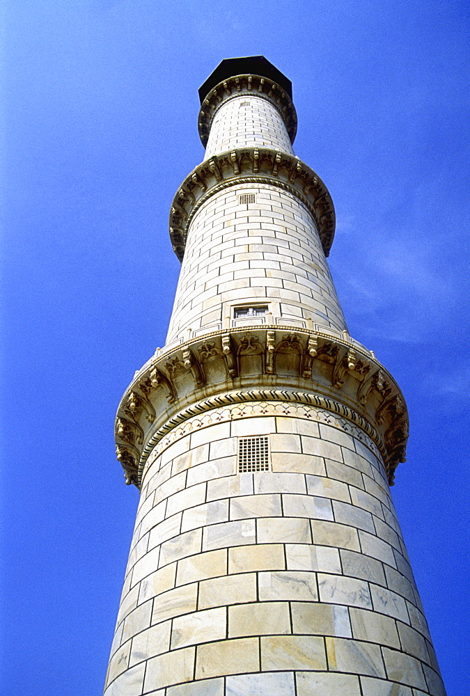 Minaret of Taj Mahal, UNESCO World Heritage Site, Agra, Uttar Pradesh, India, Asia - 815-2240