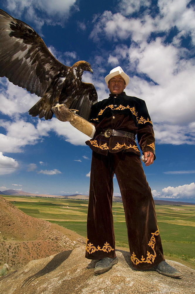 Man with his goshawk, Kyrgyzstan, Central Asia, Asia
