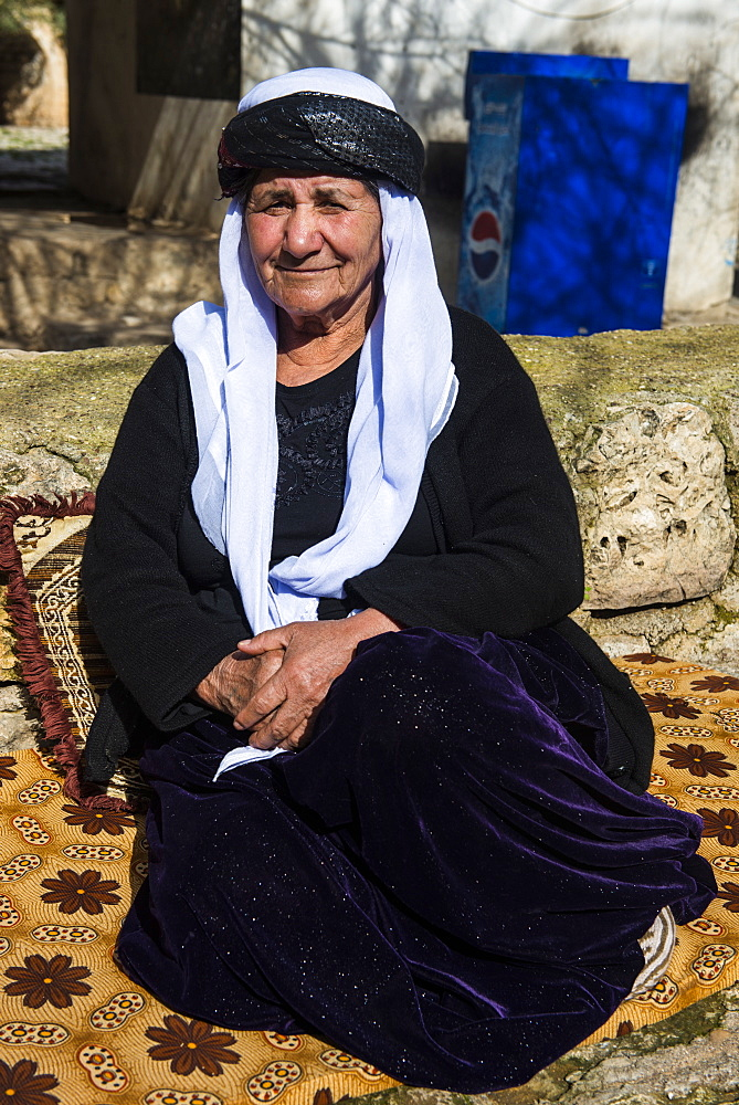 Yazidi woman in Lalish capital of the Kurdish sect of the Yazidis in Iraq Kurdistan, Iraq, Middle East