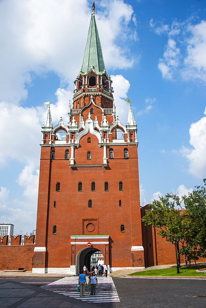 Trinitiy Gate tower in the Kremlin, UNESCO World Heritage Site, Moscow, Russia, Europe