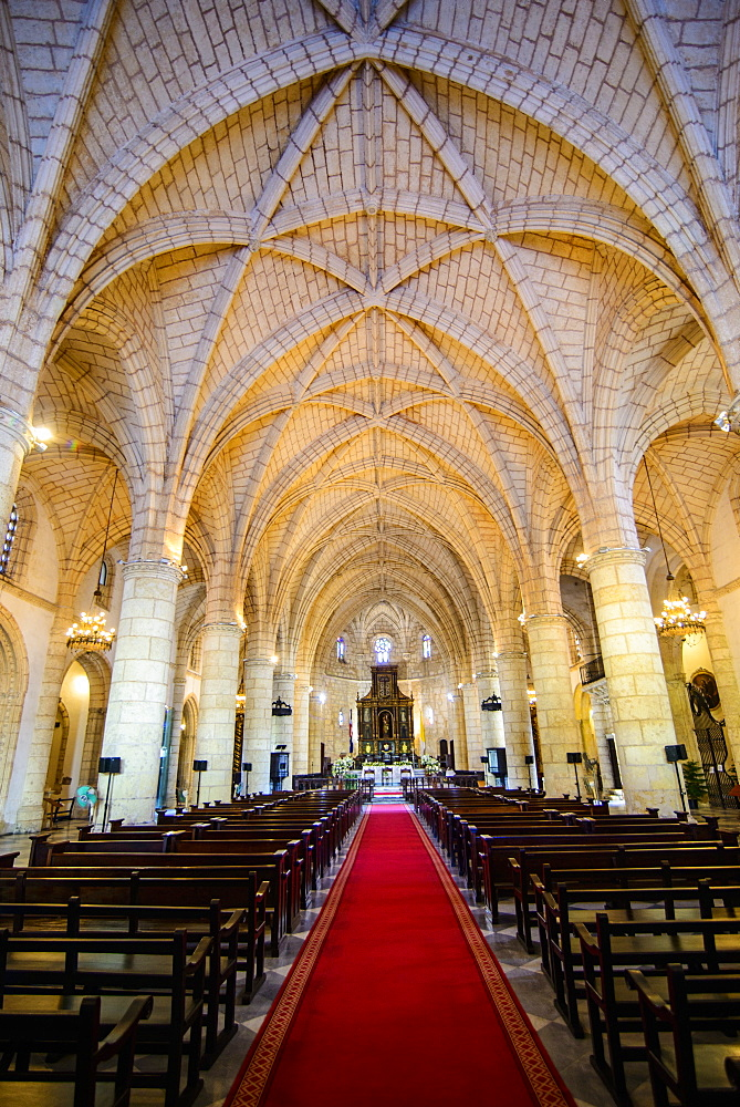 Interior of the Cathedral Primada de America, Old Town, UNESCO World Heritage Site, Santo Domingo, Dominican Republic, West Indies, Caribbean, Central America