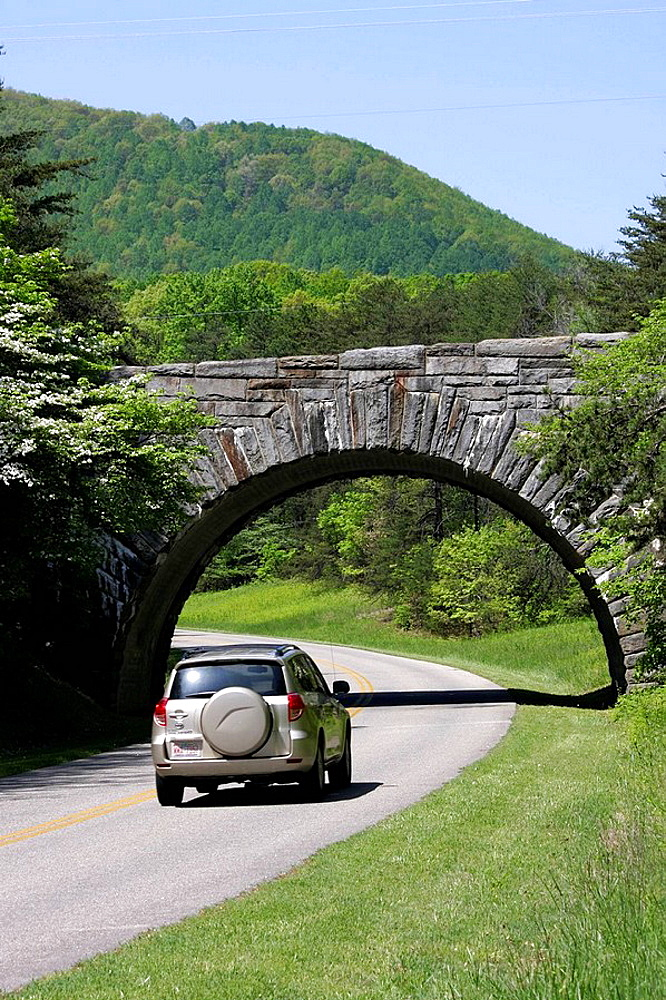 Virginia, Roanoke, Blue Ridge Parkway, Appalachian Mountains, stone bridge, SUV, vehicle,