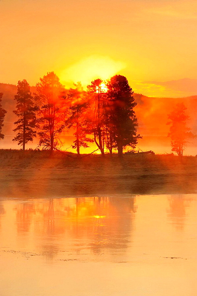 Sunrise over the Yellowstone River