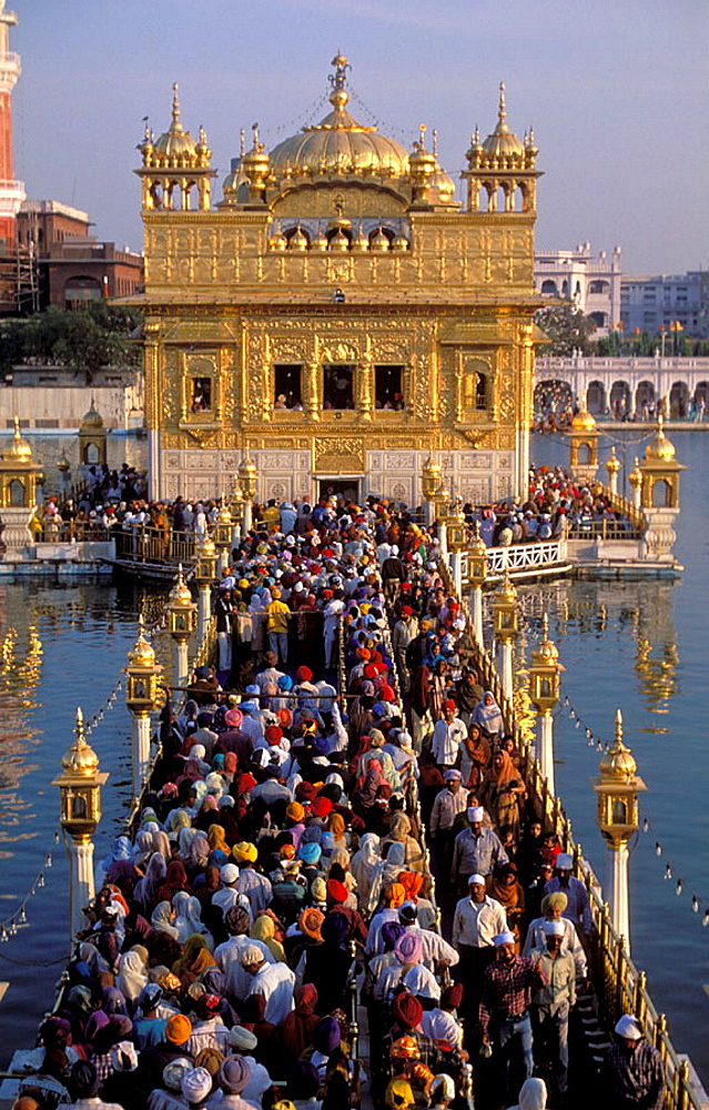 Sikh Pilgrims at the Golden Temple in Amritsar, India - 817-128700