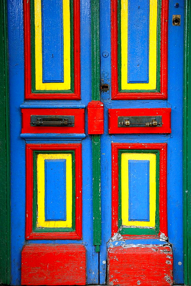 Colorful door on Caminito street in La boca Buenos Aires, Argentina - 817-130370