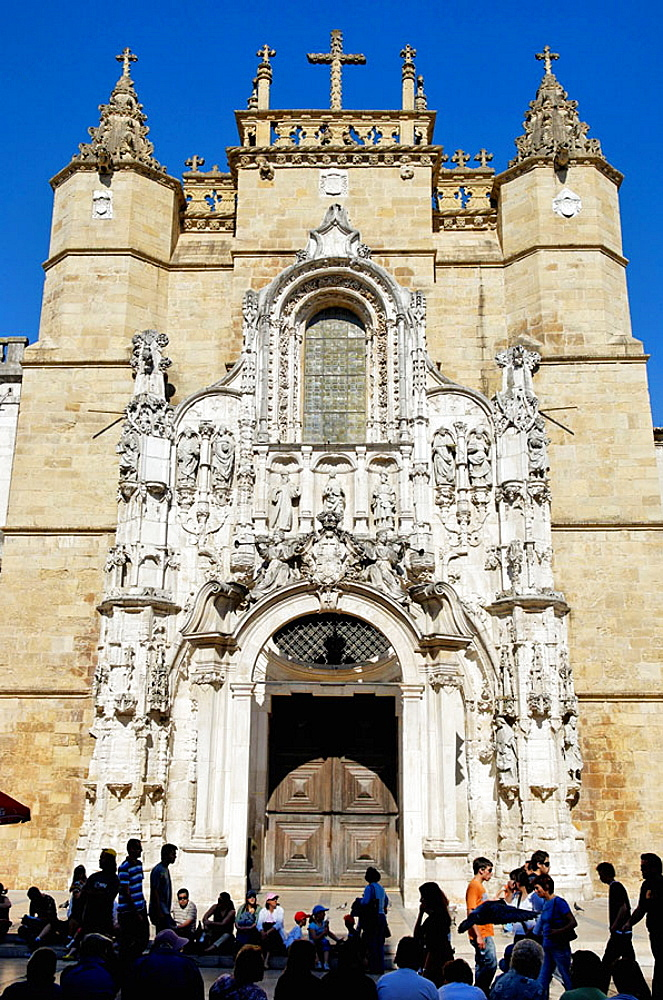 The manueline facade of the church of Santa Cruz founded in 1131 and constanly restored, now a fine exemple of 16th centuty sculpture, Coimbra city, Beiras region, Portugal