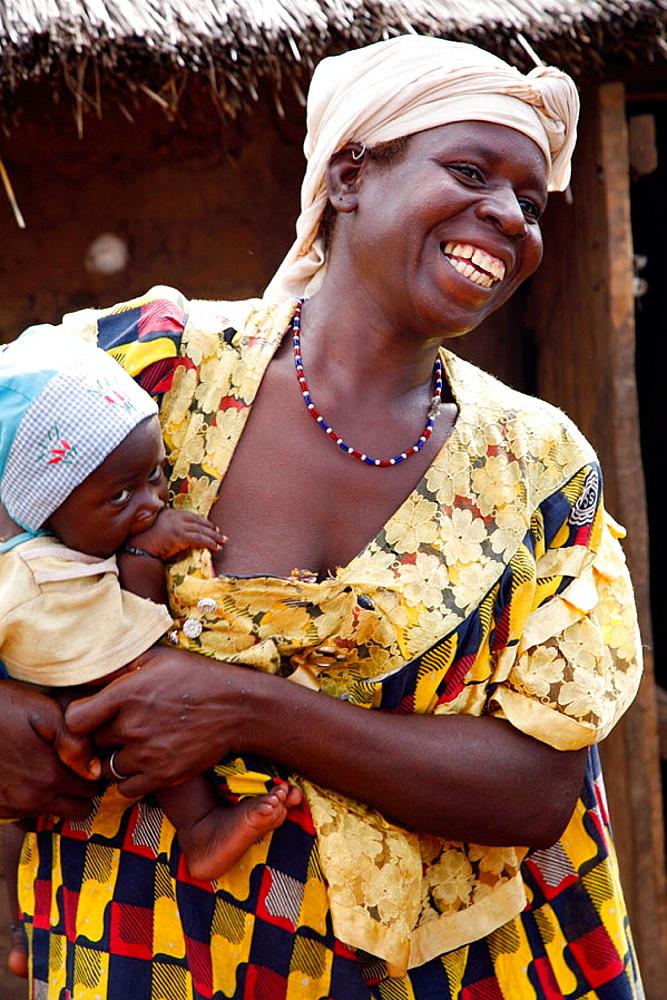 Portrait of Gan woman with children, Loropeni, Burkina Faso