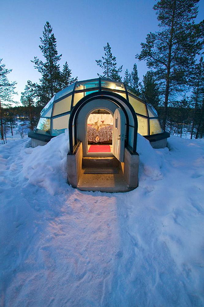 Glass room, igloo style, Hotel Kakslauttanen, Lapland, Ivalo, Finlandia - 817-16177