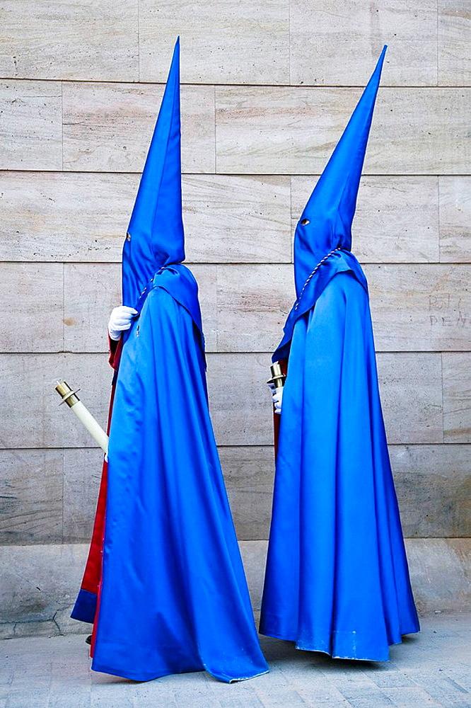 Nazarenos, procession of Hermandad Agustina Nuestro Padre Jesus Despojado de sus Vestiduras, Easter, Alicante, Comunidad Valenciana, Spain - 817-162413