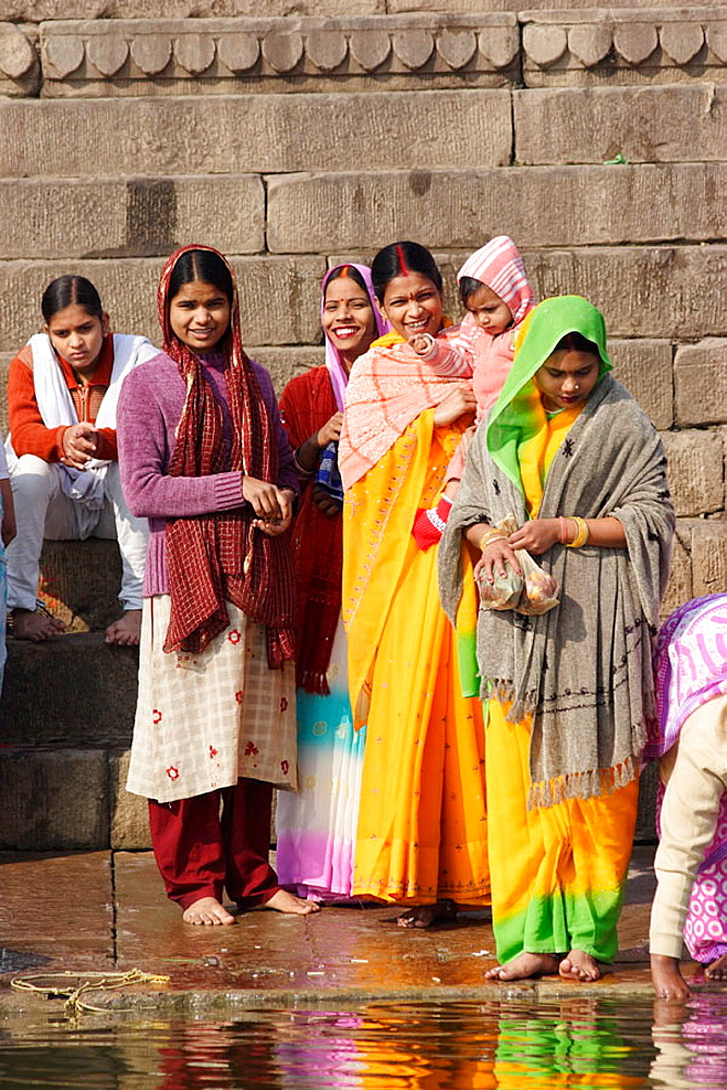 Local people, Varanasi (Benares, Benaras, Banaras), Hindu holy city on Ganges (Ganga), state Uttar Pradesh, India
