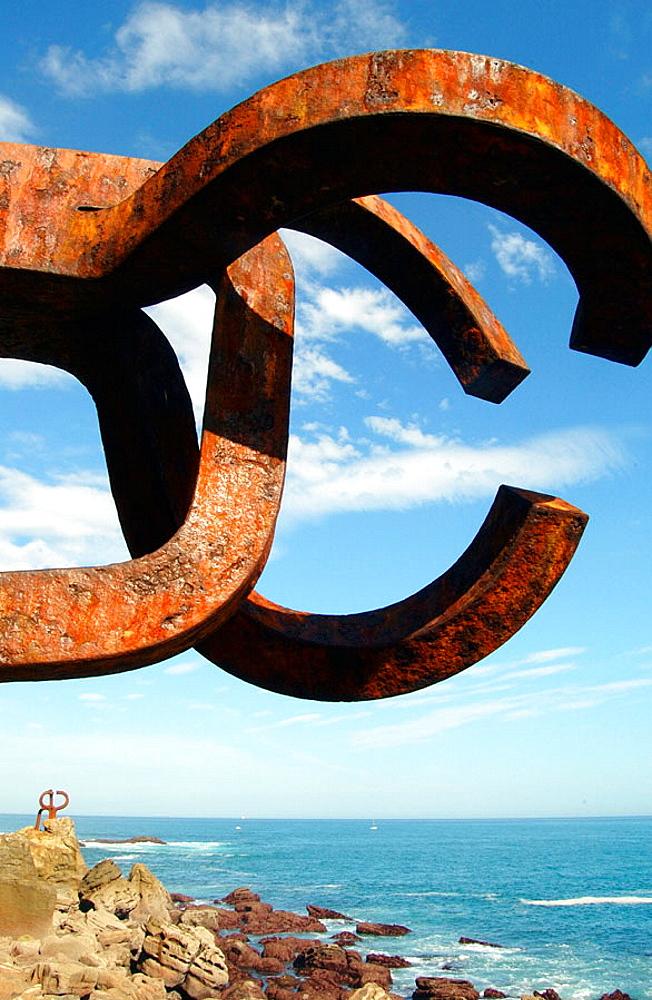 Peine del Viento' (Wind's Comb), Eduardo Chillida sculpture, Donostia, San Sebastian, Euskadi, Spain.
