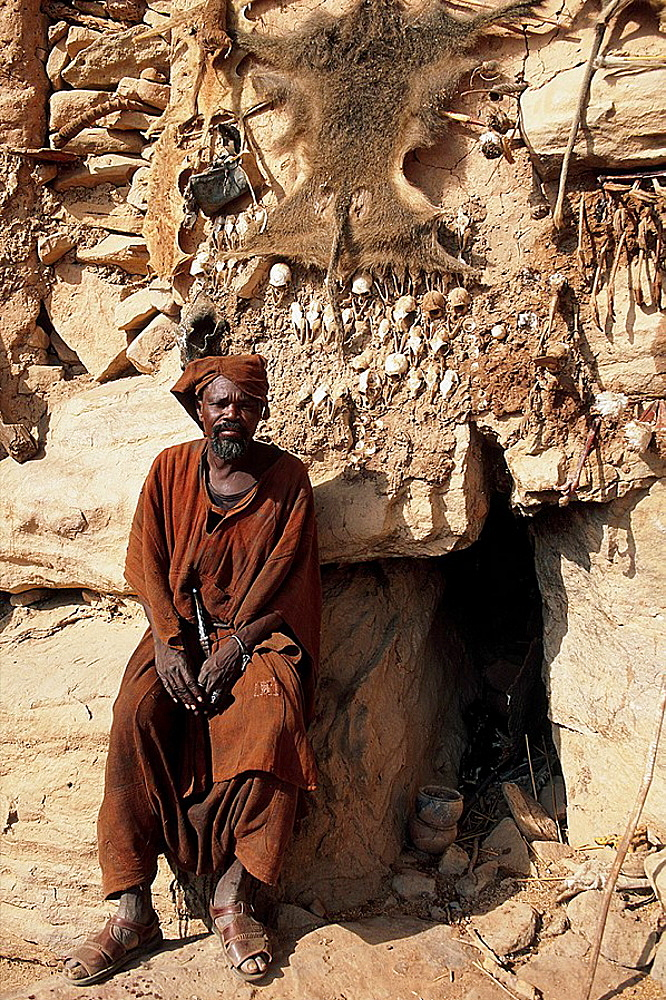 Koundou Ando cavern, it accomodates a hunter and healer with his fetishes, He is a very important carachter in Dogon culture, Dogon Country, Mali.