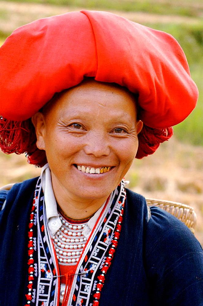 Red Dao woman, Ta Phin, Sapa, Vietnam