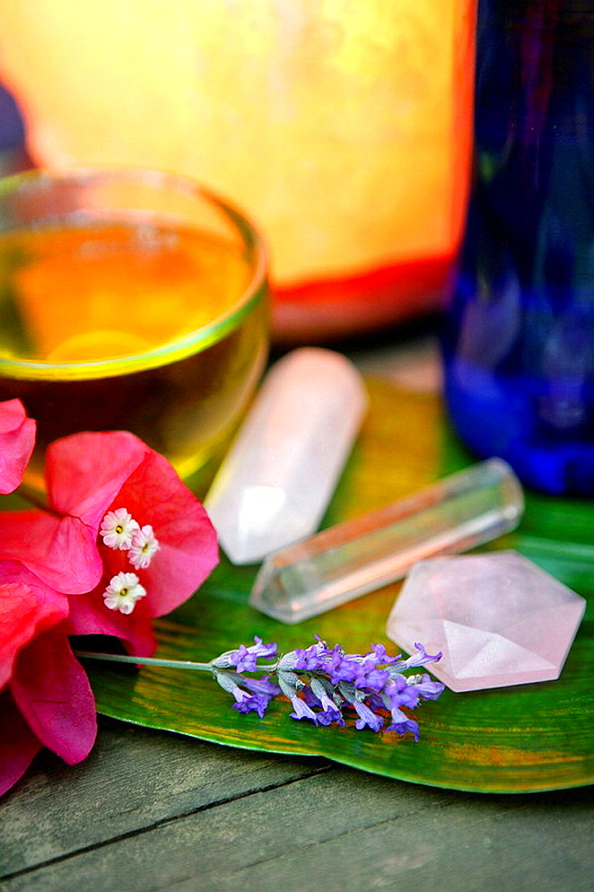 Stones, flowers, green leaf and oil for theraphy - 817-197814