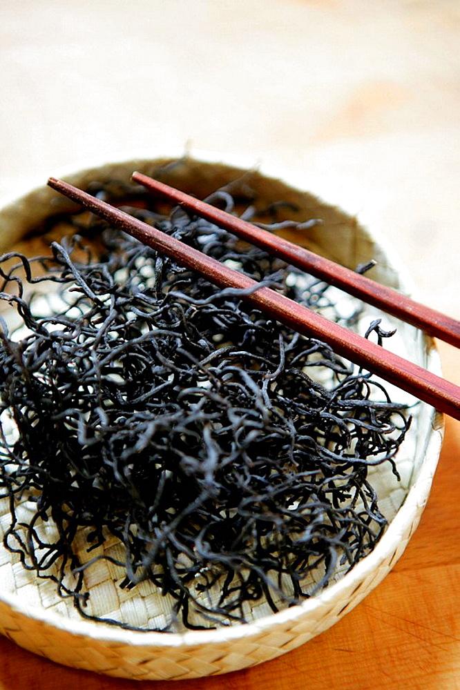 Hiziki, Dry seaweed, natural healthy sea food ingredients - 817-197815