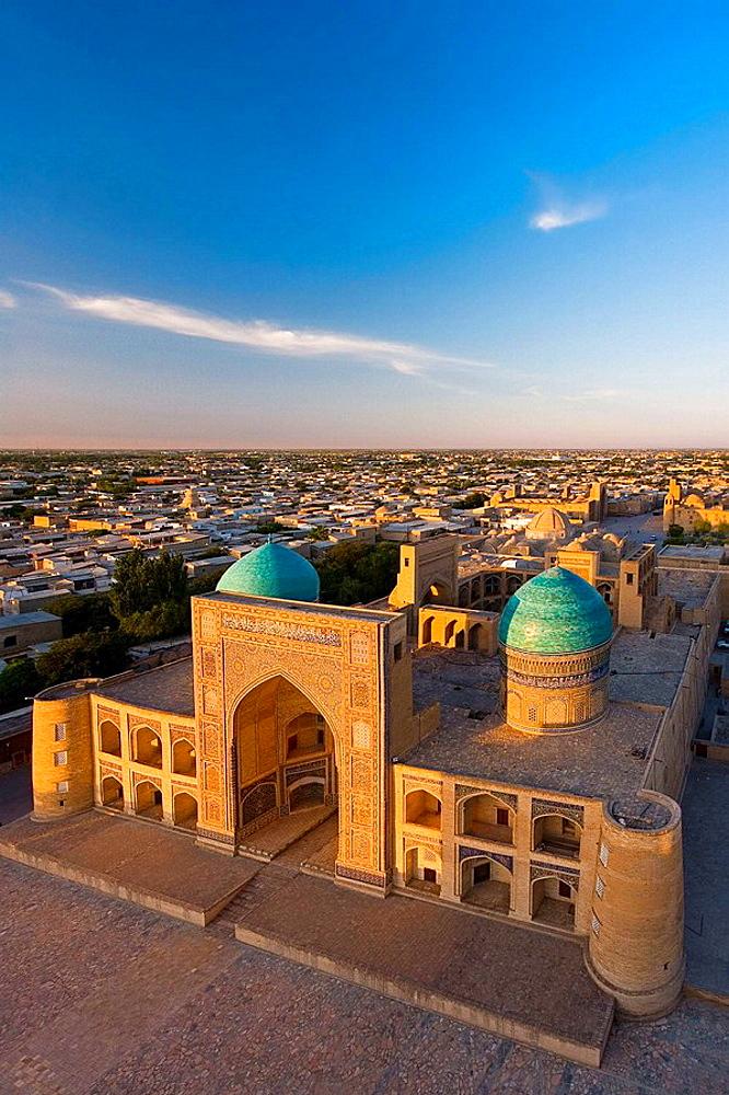The splendid Mir-i-arab Madrassah, Bukhara, Uzbekistan.