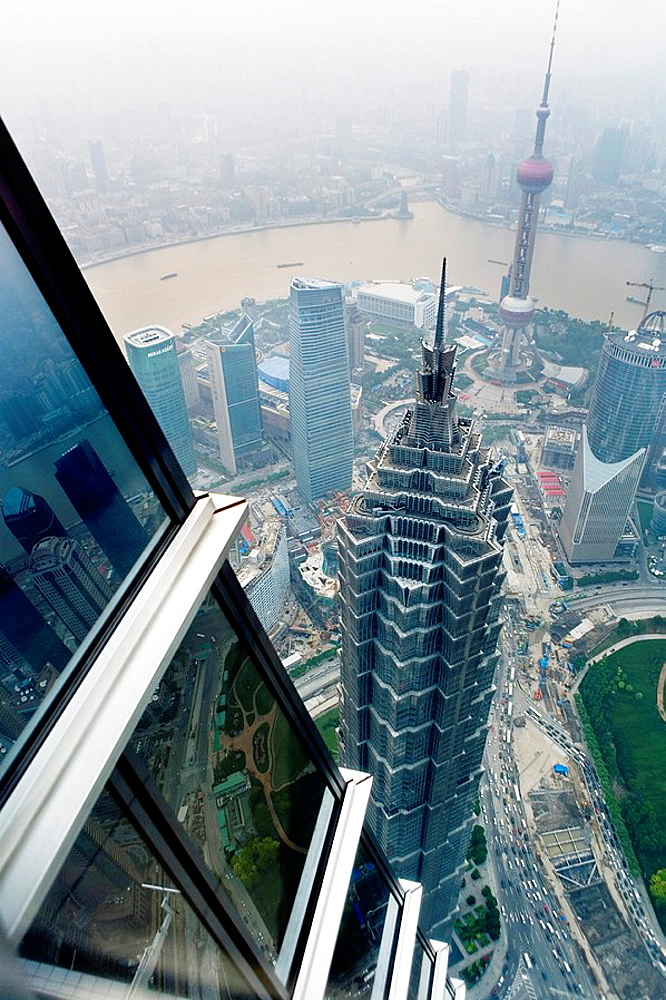 China Shanghai: Skyline  Jin Mao Tower and Orient Pearl tower - 817-217174