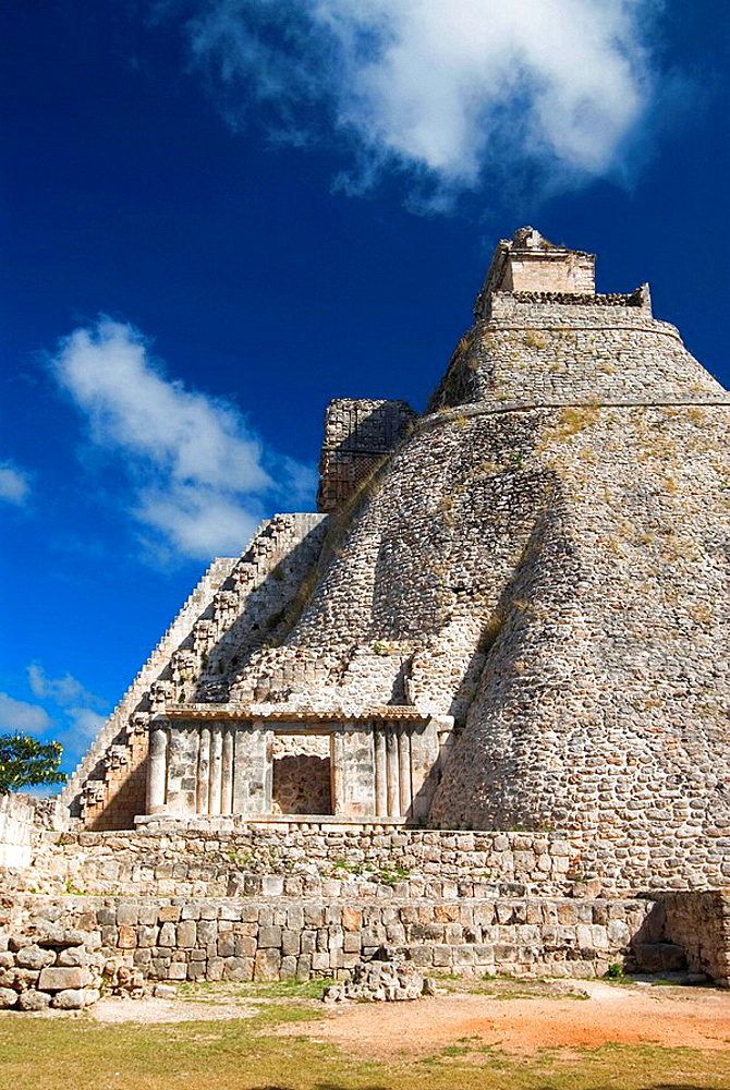 Mexico, Yucatan, Uxmal, Pyramid of the Magician