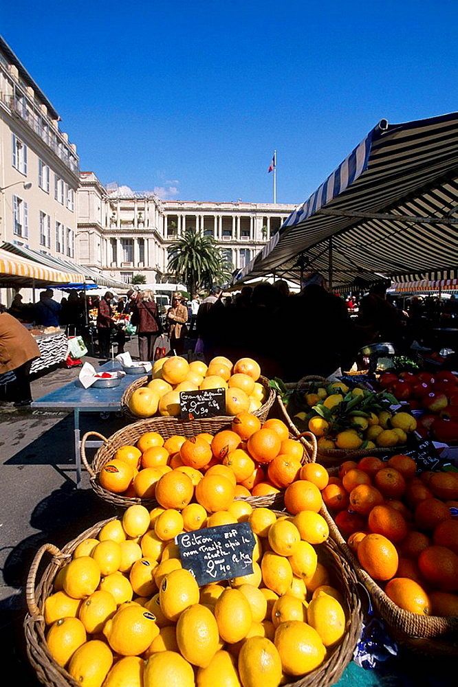 The market in the Cours Saleya in the old city of Nice Alpes-Maritimes 06 PACA France Europe
