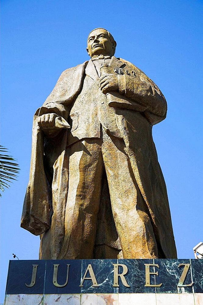 Benito Juarez Monument, Zocalo, Acapulco, Guerrero State, Mexico
