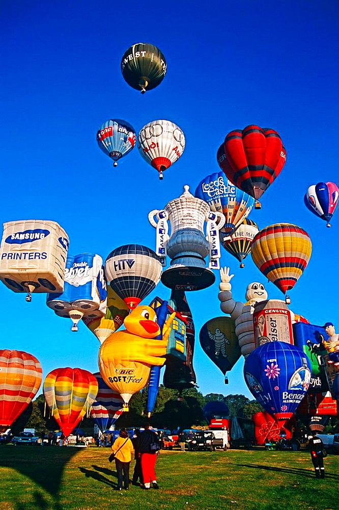 Mass ascent of hot air balloons, Bristol, England