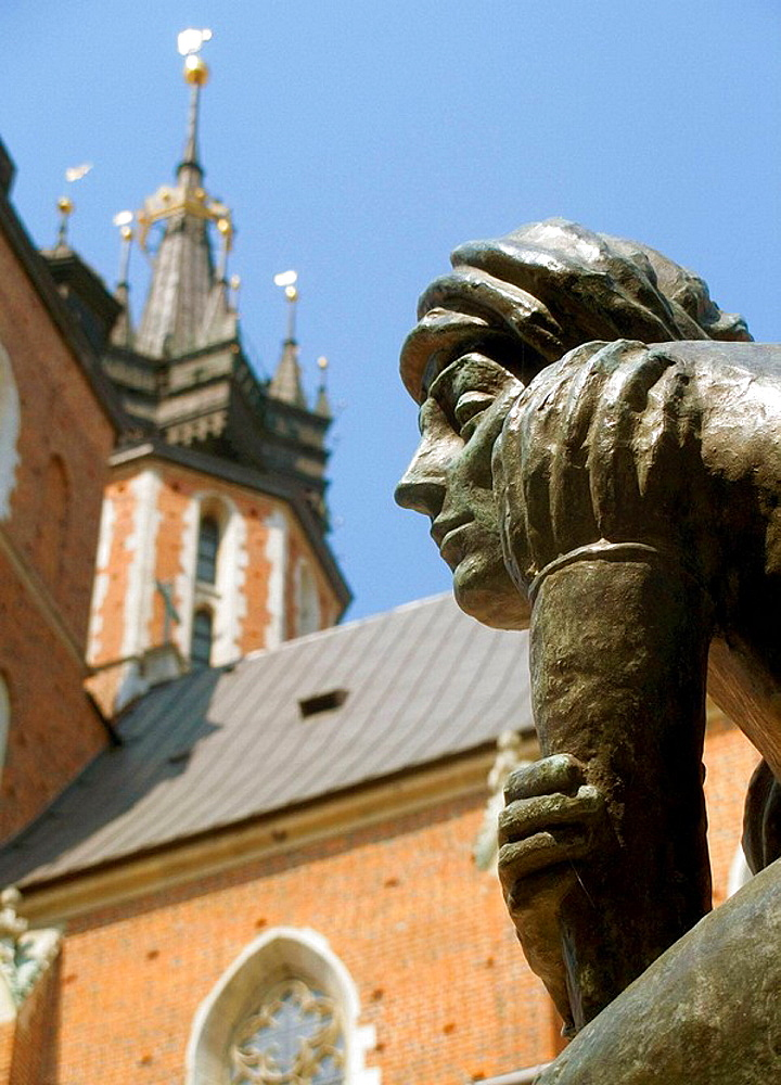 Poland, Krakow, The fountain statue of a student, popular name Zak at St Marys Square