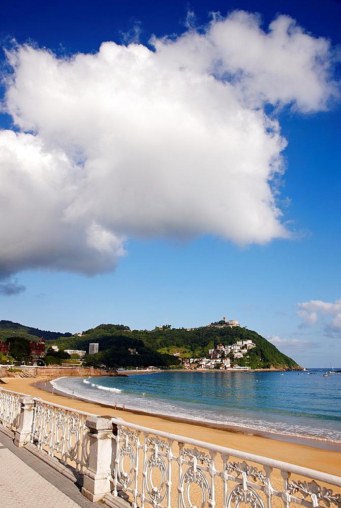 Playa de La Concha, Donostia, San Sebastian, Gipuzkoa, Euskadi, Spain.