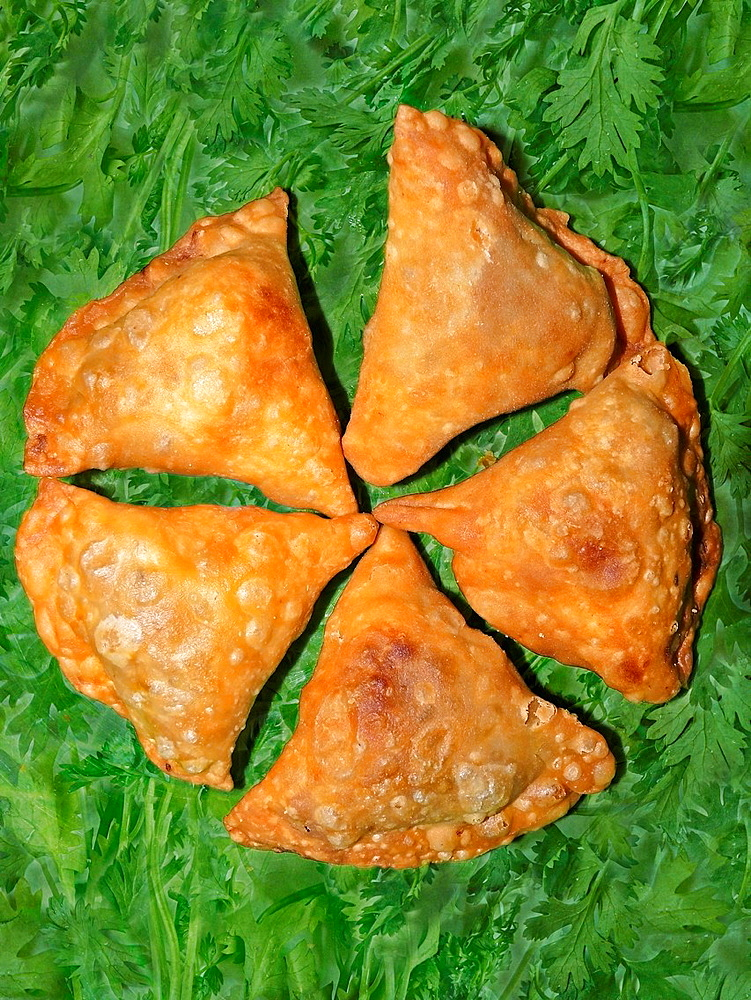 Vegetarian snacks, Samosa, India