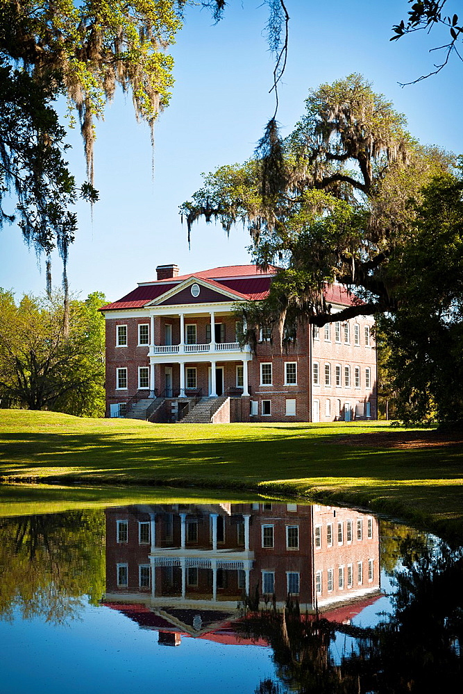 Drayton Hall Plantation in Charleston, SC Palladian style estate built by John Drayton in 1738