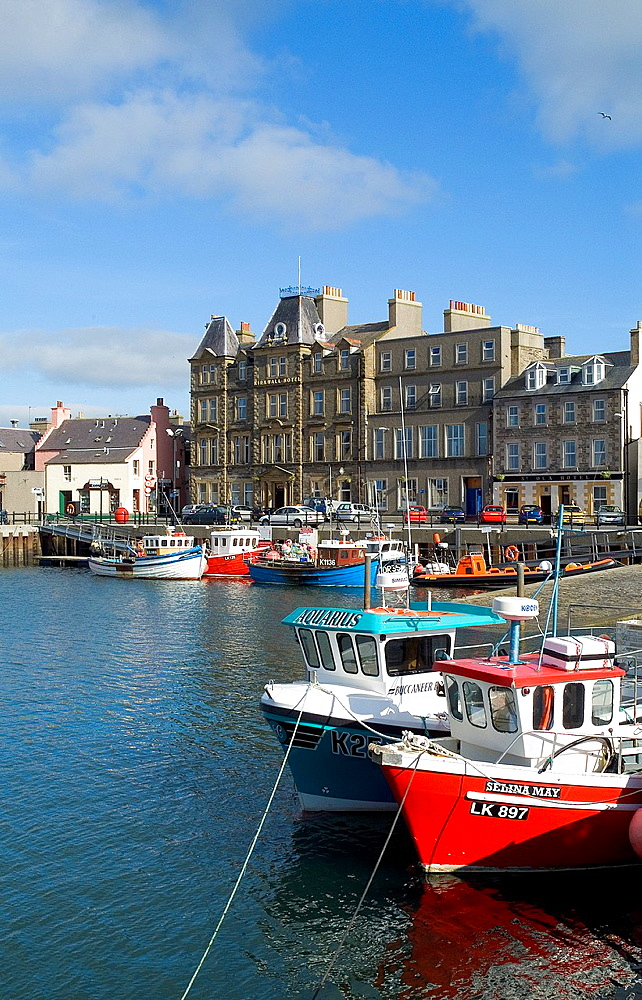 Kirkwall harbour KIRKWALL ORKNEY Kirkwall Hotel fishing boats alongside quay side