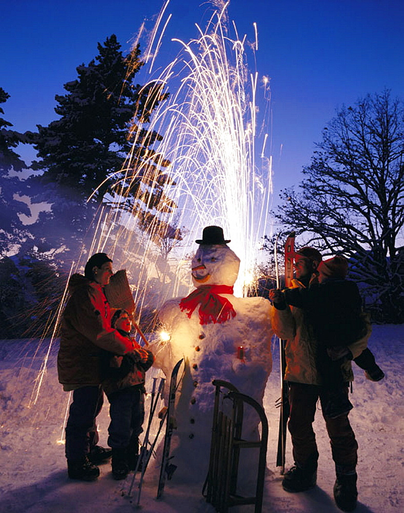 10390536, Christmas, holidays, vacation, New Years Eve, New Year, Alps, mountains, snow, flare, pyrotechnic, candles, family, . 10390536, Christmas, holidays, vacation, New Years Eve, New Year, Alps, mountains, snow, flare, pyrotechnic, candles, family,
