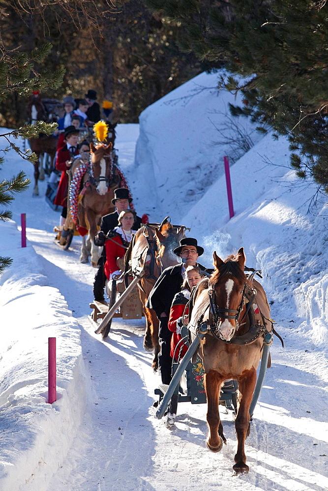 Tradition, Engadin, folklore, Glaluna, Graubunden, Grisons, horse, Salastrains, Schellenursli, sledge, sleigh, snow, Switzerland. Tradition, Engadin, folklore, Glaluna, Graubunden, Grisons, horse, Salastrains, Schellenursli, sledge, sleigh, snow, Switzerland