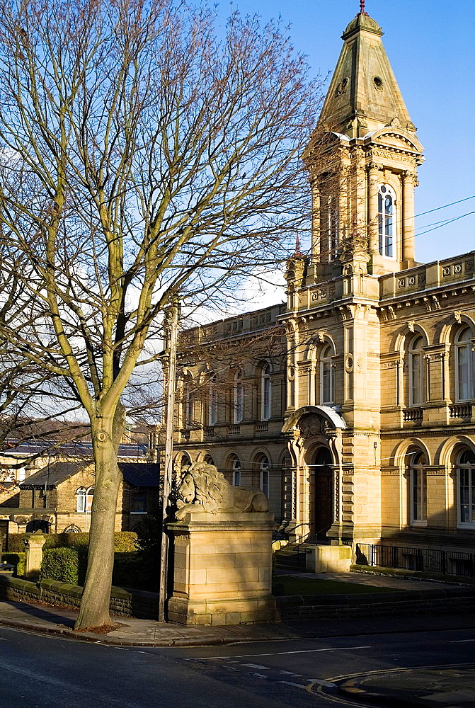SALTAIRE WEST YORKSHIRE Titus Salts Victorian village Victoria Hall