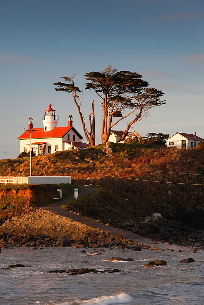 USA, California, Northern California, North Coast, Crescent City, Battery Point Lighthouse, dawn