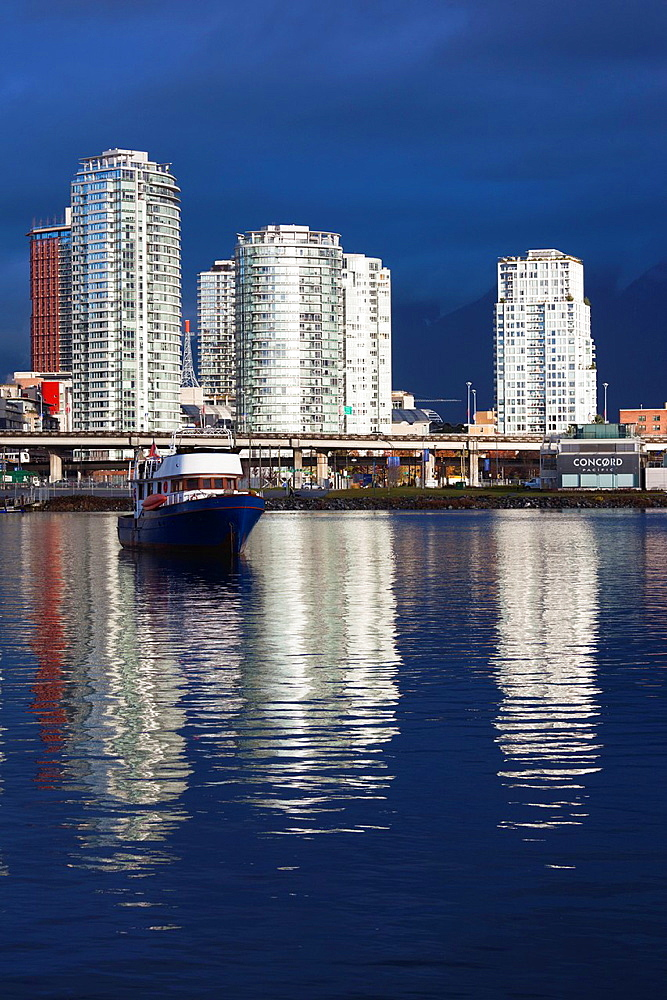 Canada, British Columbia, Vancouver, buildings along False Creek, morning