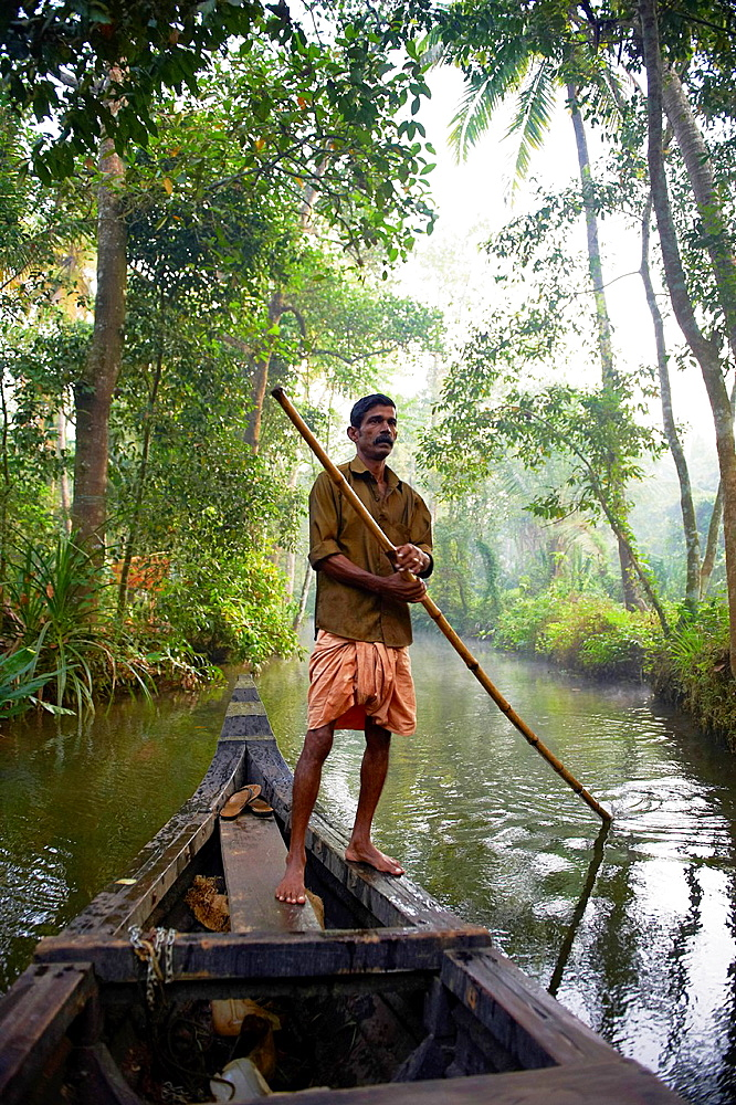 India, Kerala state, Allepey, backwaters