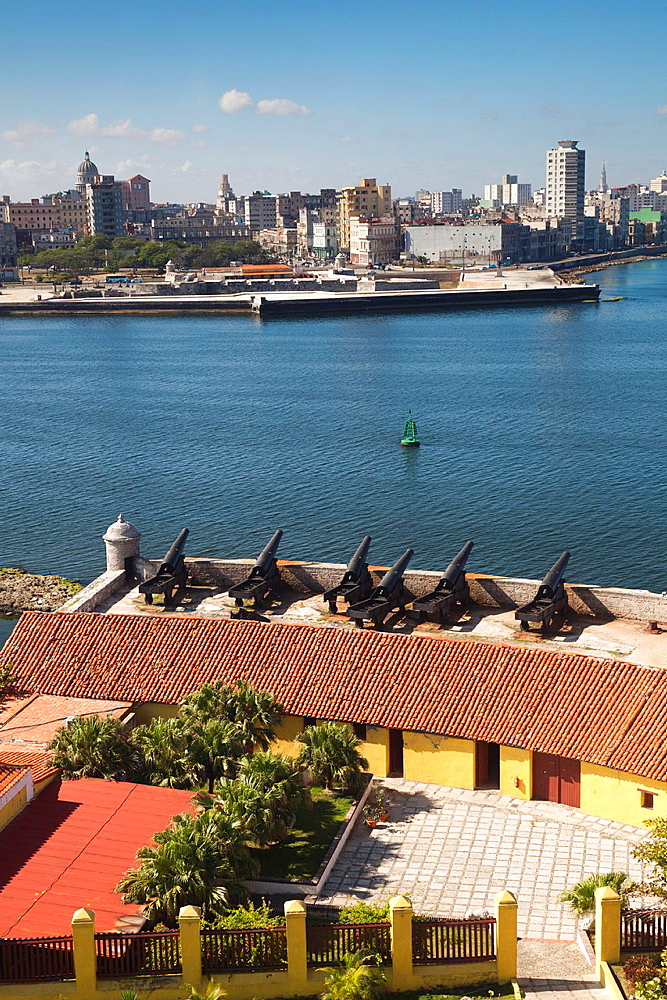 Cuba, Havana, elevated view of the Malecon from the Castillo de los Tres Santos Reys del Morro fortress