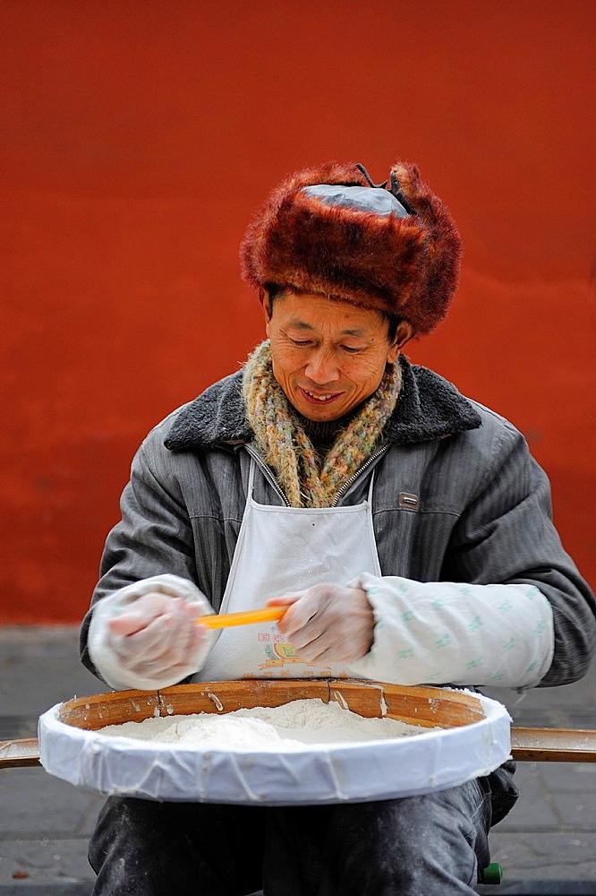 China, Sichuan, Chengdu, Wenshu temple district, Ravioli making