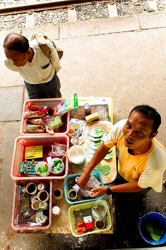 People at Yangon¥s Central train station