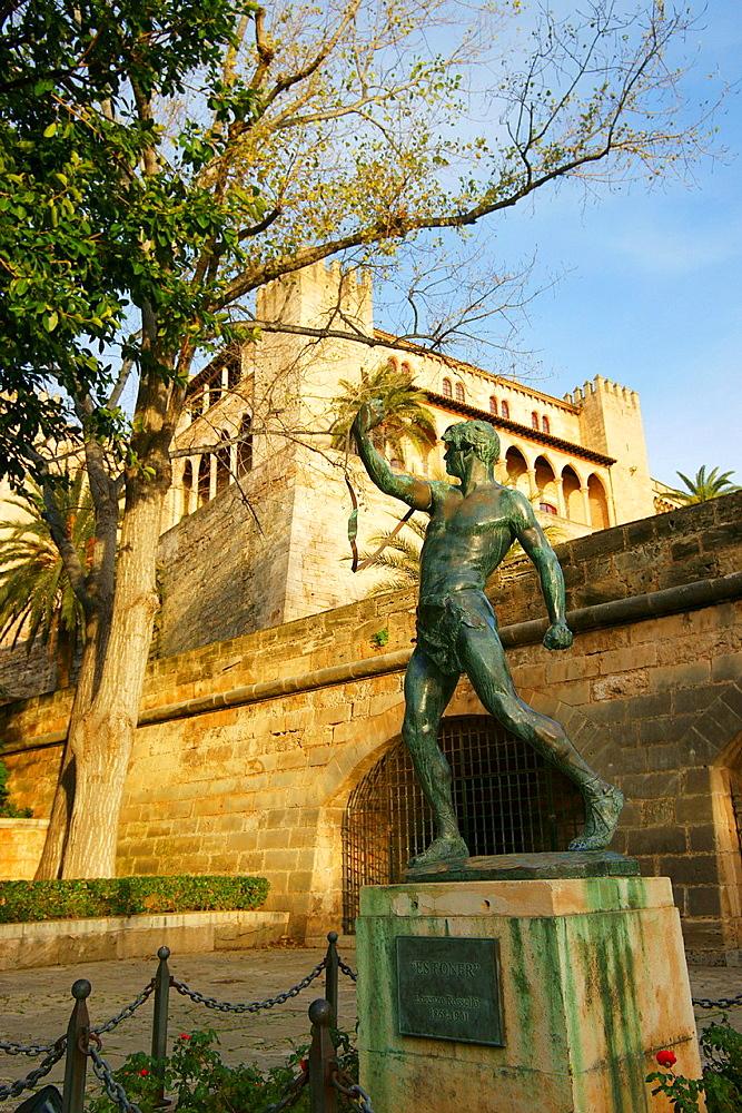 Sculpture Es Foner, of Llorenc Rosello Jardins del rei Park Palma Mallorca Balearic, Spain