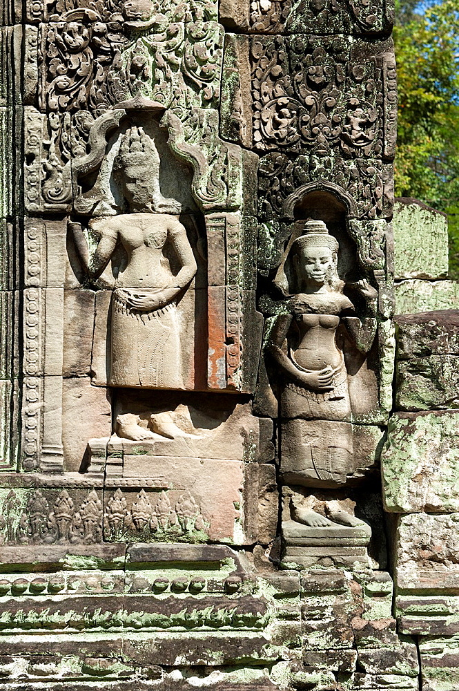 Bas-relief of female divinities, Devata, as temple guardian from the 12th century, Preah Khan temple, Angkor, Siem Reap, Cambodia