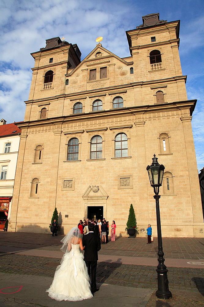 Slovakia, Kosice, Holy Trinity Church, wedding party,