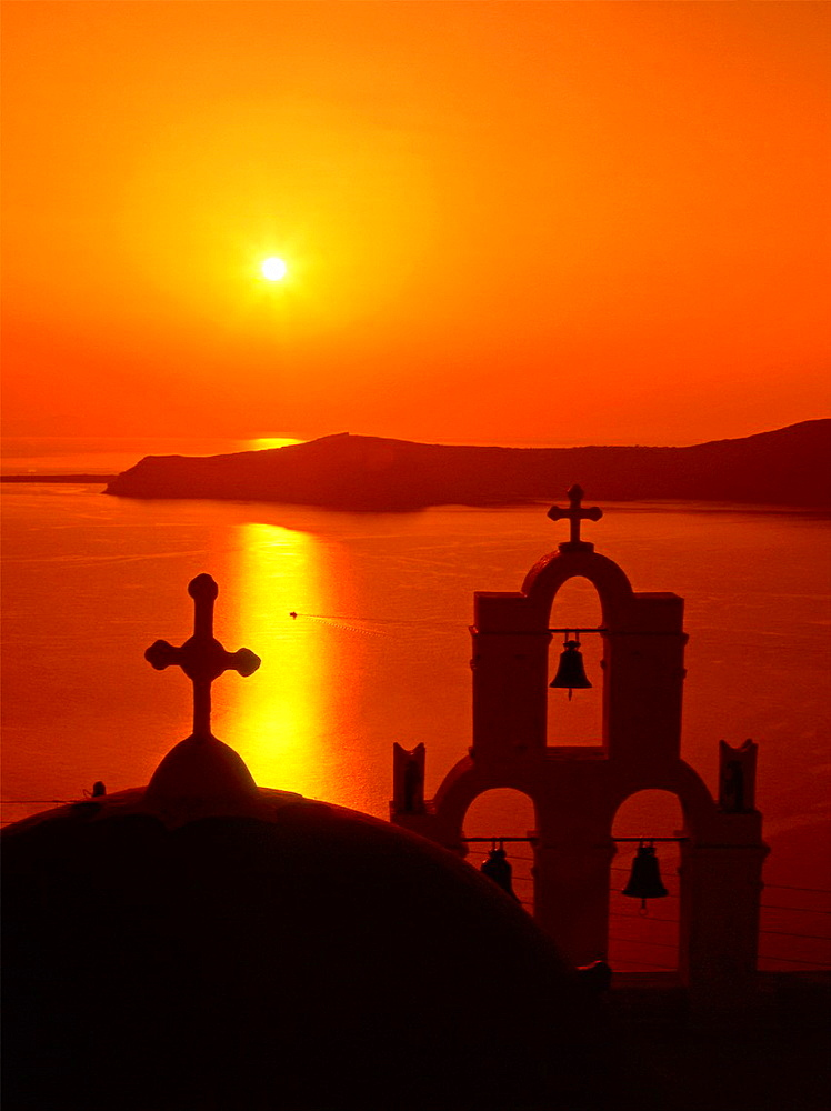 Greece, Cyclades, Santorini, Thira, church, sunset - 817-422159