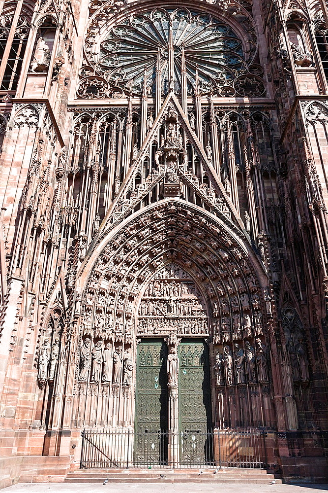 Detail of the entrance to the Strasbourg cathedral Cathedrale Notre-Dame, Strasbourg, Alsace, France, Europe