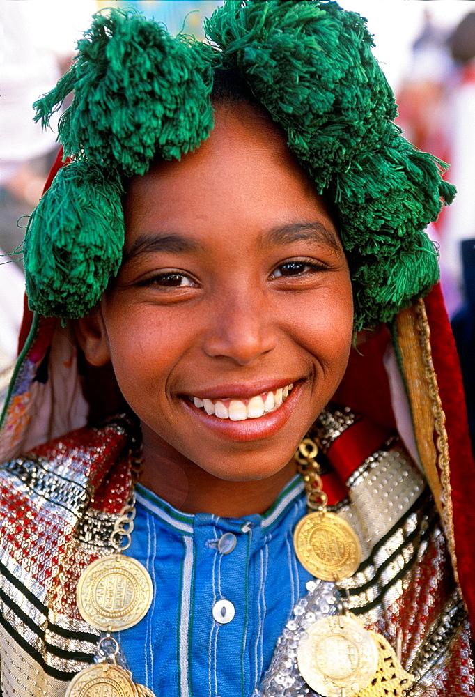 Girl from the Southern Tunisia International Festival of the Sahara Douz Southern Tunisia. - 817-426153