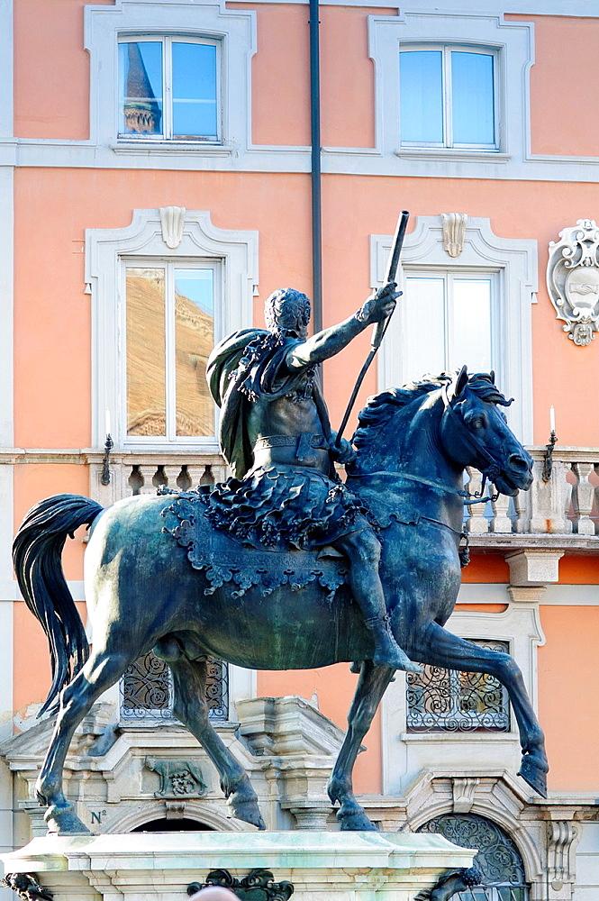 Italy, Emilia Romagna, Piacenza, Piazza Cavalli Square, Statue of Duke Ranuccio I Farnese Monument by Francesco Mochi