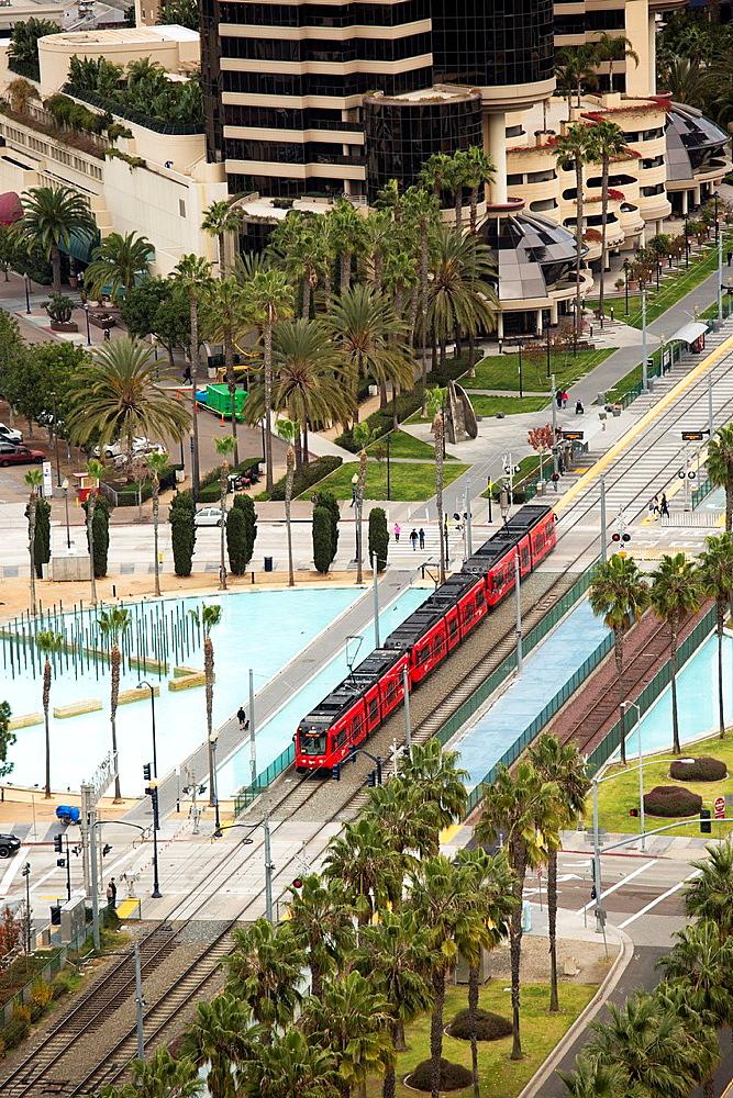 San Diego, California, The San Diego Trolley runs through the city's downtown