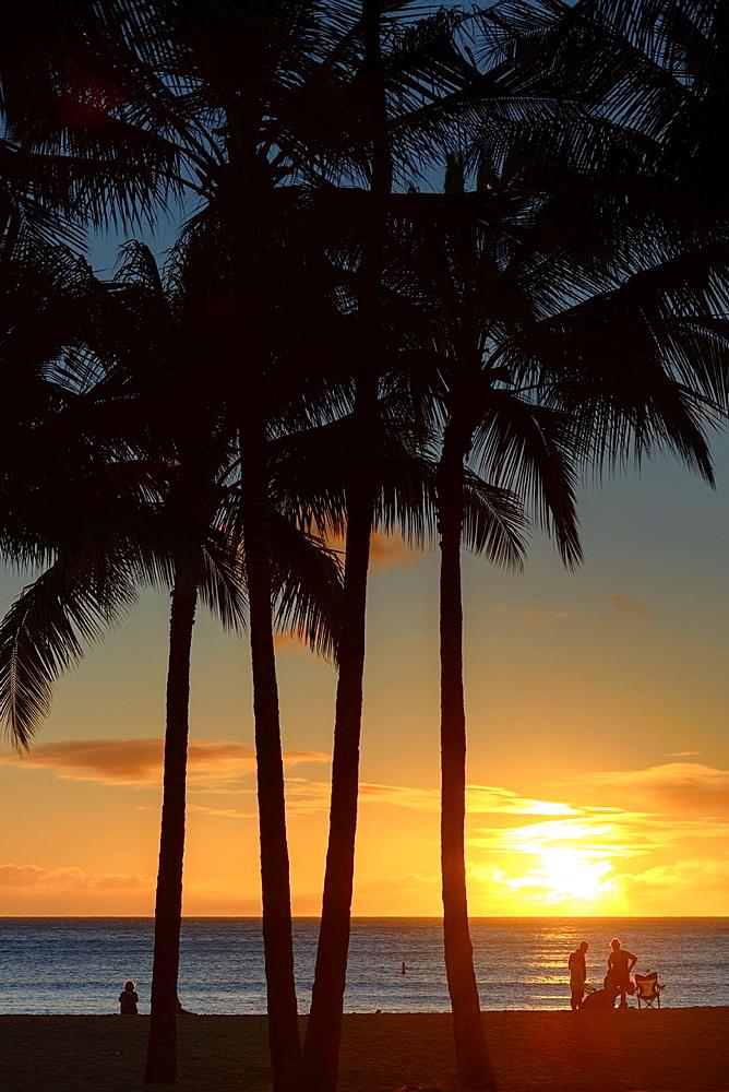 Sunset Waikiki Beach, Honolulu, Hawaii, USA