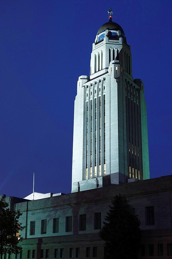 USA, Nebraska, Lincoln, Nebraska State Capitol, exterior, dusk